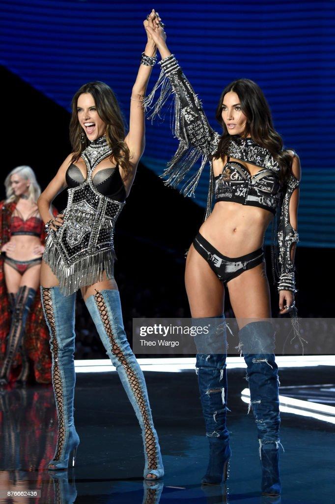 2017 Victoria's Secret Fashion Show In Shanghai - Show : Foto di attualità