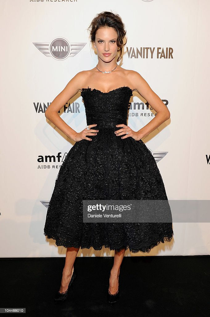 amfAR's Milano 2010 - Arrivals: Milan Fashion Week S/S 2011 : News Photo