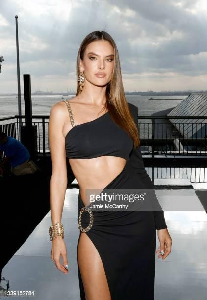 Alessandra Ambrosio attends DUNDAS x REVOLVE NYFW Runway Show Casa Cipriani on September 08, 2021 in New York City.