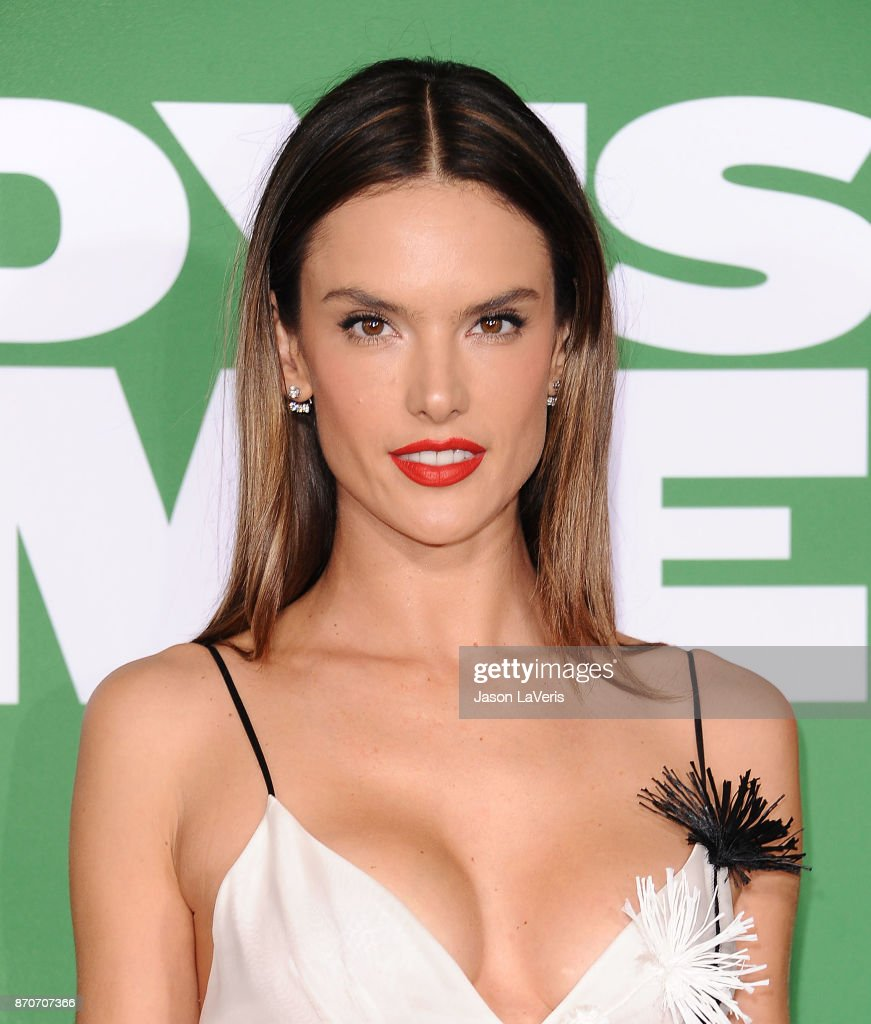 Alessandra Ambrosio attends the premiere of 'Daddy's Home 2' at Regency Village Theatre on November 5, 2017 in Westwood, California.