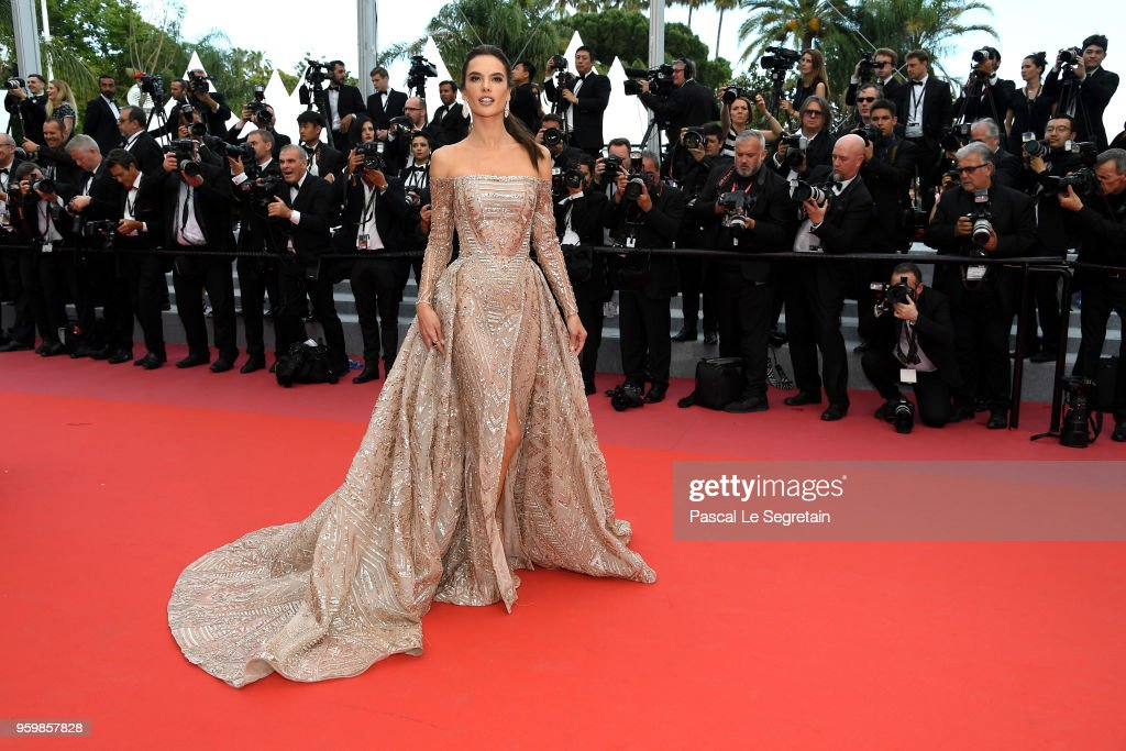 """The Wild Pear Tree (Ahlat Agaci)"" Red Carpet Arrivals - The 71st Annual Cannes Film Festival : Nachrichtenfoto"