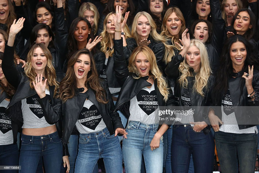 2014 Victoria's Secret Fashion Show - Photocall : News Photo