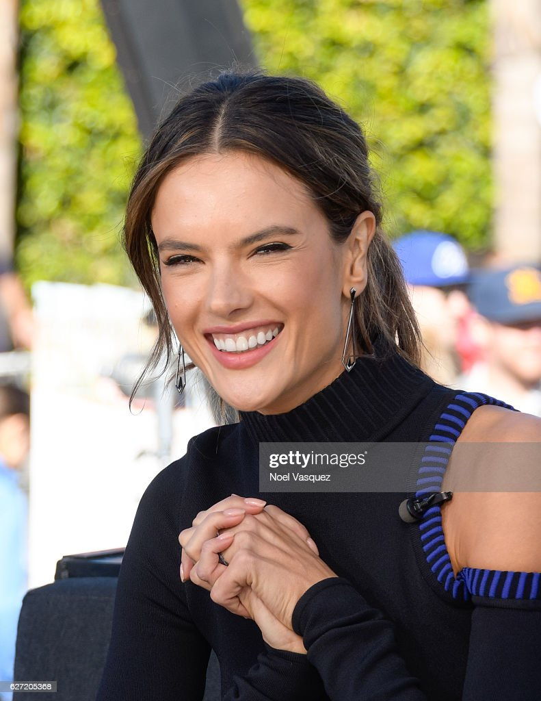 Alessandra Ambrosio visits 'Extra' at Universal Studios Hollywood on December 2, 2016 in Universal City, California.