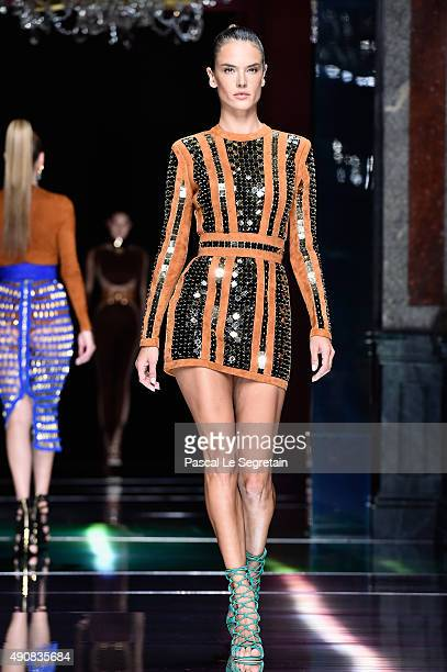 Alessandra Ambrosio walks the runway during the Balmain show as part of the Paris Fashion Week Womenswear Spring/Summer 2016 on October 1 2015 in...