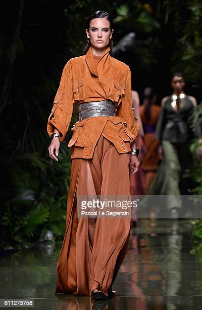 Alessandra Ambrosio walks the runway during the Balmain show as part of the Paris Fashion Week Womenswear Spring/Summer 2017 on September 29 2016 in...