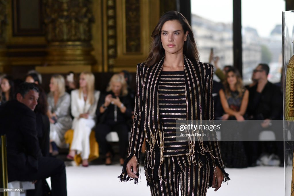 Alessandra Ambrosio walks the runway during the Balmain show as part of the Paris Fashion Week Womenswear Spring/Summer 2018 on September 28, 2017 in Paris, France.