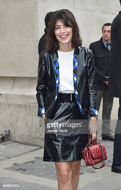 Alessandra Mastronardi arrives at the Chanel fashion show Paris Fashion Week Haute Coture Spring /Summer 2016 on January 26 2016 in Paris France