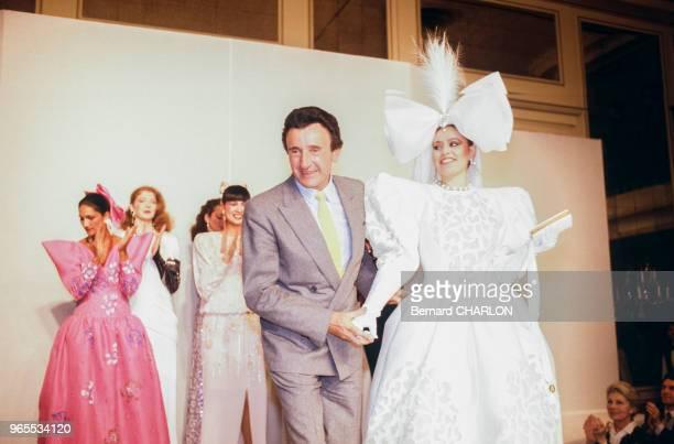 Alessandra Mussolini, lors d'un défilé pour le styliste Guy Laroche, le 23 janvier 1983 à Paris, France.