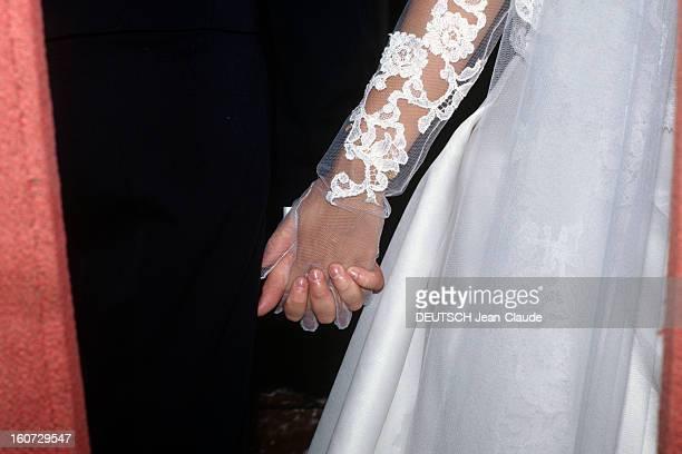 Alessandra Passerin D'entrèves Marries Jacques De Crussol D'uzes Les doigts entrelacés d' ALESSANDRA PASSERIN D'ENTREVES et JACQUES DE CRUSSOL D'UZES...