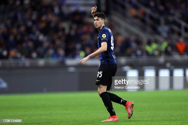 Alessandro Bastoni of Fc Internazionale gestures during the Serie A match between Fc Internazionale and Juventus Fc. The match ends in a tie 1-1.
