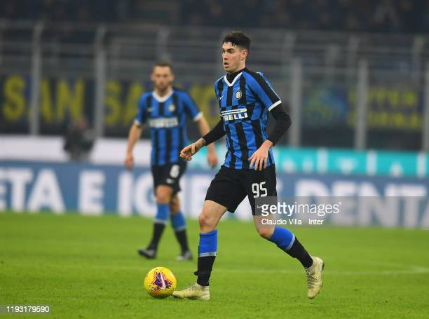 Alessandro Bastoni of FC Internazionale in action during the Serie A match between FC Internazionale and Atalanta BC at Stadio Giuseppe Meazza on...