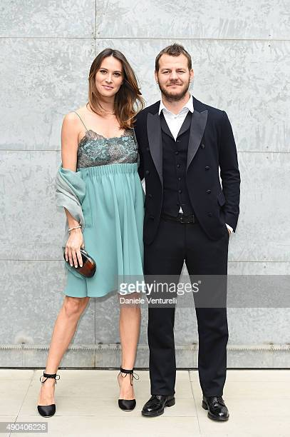 Alessandro Cattelan and Ludovica Sauer arrive at the Giorgio Armani show during the Milan Fashion Week on September 28, 2015 in Milan, Italy.