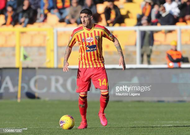 Alessandro Deiola of Lecce competes for the ball with Simone Missiroli of Spal during the Serie A match between US Lecce and SPAL at Stadio Via del...