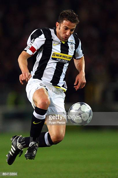 Alessandro Del Piero of Juventus controls the ball during the UEFA Champions League, First knock-out round, second leg match between Juventus and...