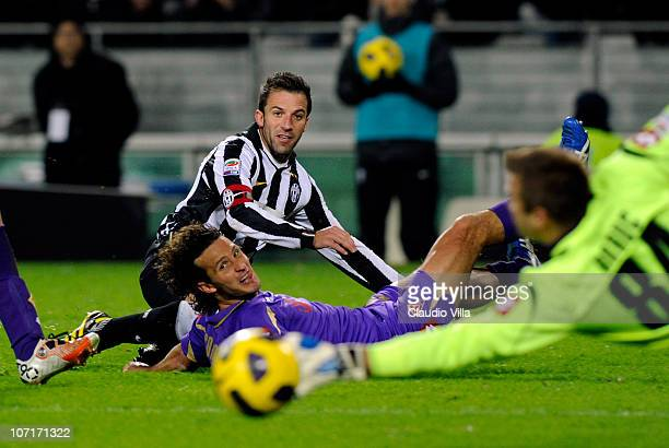 Alessandro Del Piero of Juventus FC and Gianluca Comotto of ACF Fiorentina compete during the Serie A match between Juventus and Fiorentina at...