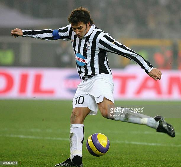 Alessandro Del Piero of Juventus scores during the Serie B match between Juventus and Bari at the Stadio Delle Alpi on January 20 2007 in Turin Italy