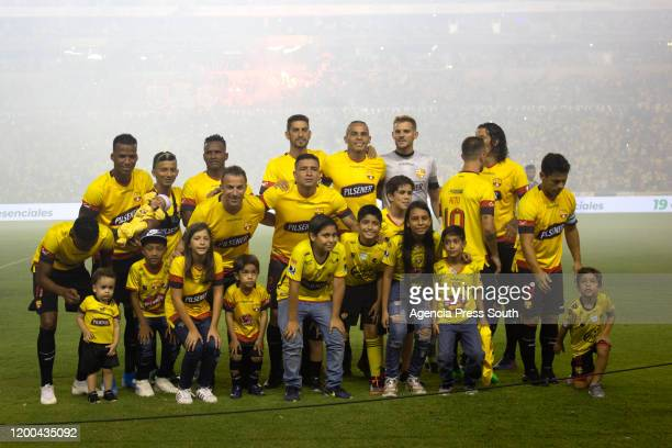 Alessandro Del Piero poses with the Barcelona SC team before a match between Barcelona SC and Delfin as part of Noche Amarilla at Estadio Monumental...