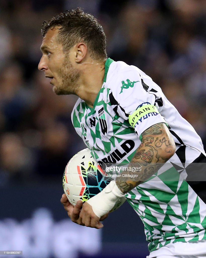 A-League Rd 4 - Melbourne Victory v Western United : News Photo