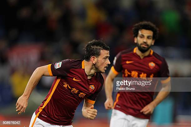 Alessandro Florenzi of AS Roma celebrates after scoring the opening goal during the Serie A match between AS Roma and UC Sampdoria at Stadio Olimpico...
