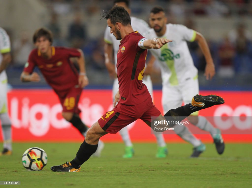 Alessandro Florenzi of AS Roma scores the opening goal from penalty spot during the friendly match between AS Roma and Chapecoense at Olimpico Stadium on September 1, 2017 in Rome, Italy.