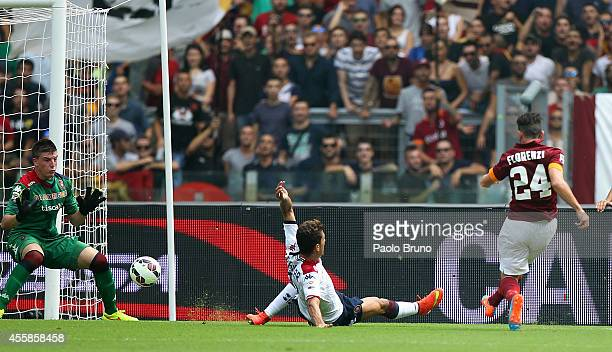 Alessandro Florenzi of AS Roma scores the second team's goal during the Serie A match between AS Roma and Cagliari Calcio at Stadio Olimpico on...