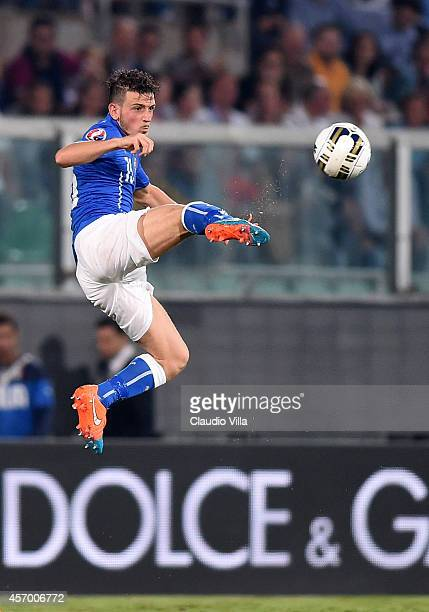 Alessandro Florenzi of Italy in action during the EURO 2016 Group H Qualifier match between Italy and Azerbaijan at Stadio Renzo Barbera on October...