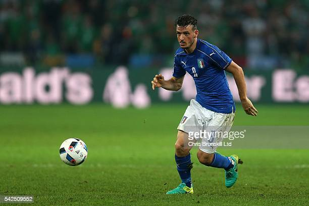 Alessandro Florenzi of Italy in action during the UEFA Euro 2016 Group E match between Italy and Republic of Ireland at Stade PierreMauroy on June 22...