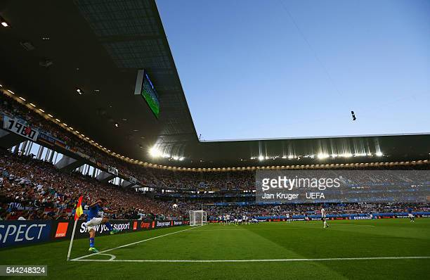 Alessandro Florenzi of Italy takes a corner during the UEFA EURO 2016 quarter final match between Germany and Italy at Stade Matmut Atlantique on...
