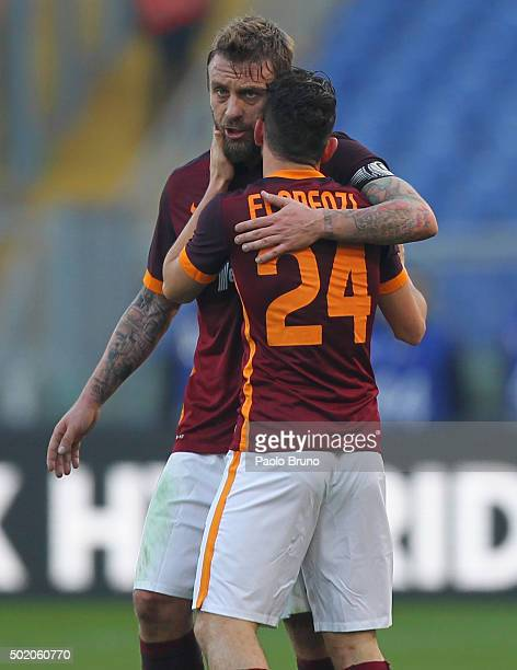 Alessandro Florenzi with his teammate Daniele De Rossi of AS Roma celebrates after scoring the opening goal during the Serie A match between AS Roma...