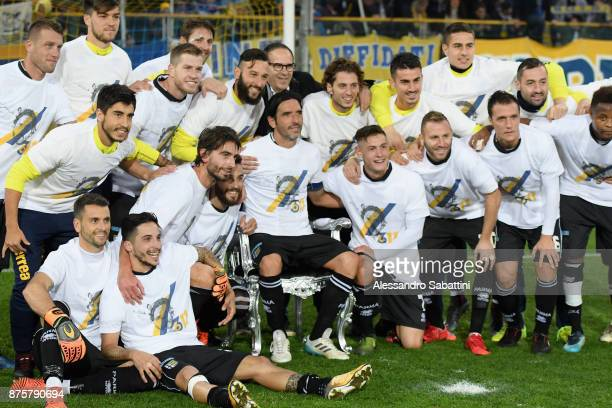 Alessandro Lucarelli of Parma Calcio celebrates with teams after the Serie B match between Parma Calcio and Ascoli Picchio at Stadio Ennio Tardini on...