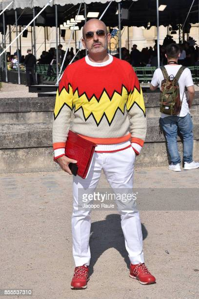 Alessandro Maria Ferreri is seen arriving at Nina Ricci fashion show during the Paris Fashion Week Womenswear Spring/Summer 2018 on September 29 2017...