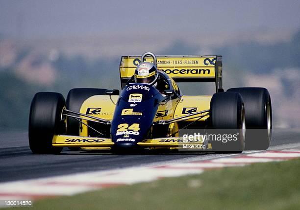 Alessandro Nannini of Italy drives the Minardi Team Minardi M/85B Motori Moderni 15 V6T during the Grand Prix of Hungary on 10th August 1986 at the...