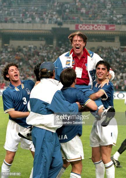 Alessandro Pistone Fabio Cannavaro Salvatore Fresi and Cesare Maldini head coach of Italy U21 celebrate after winnig the U21 Europenan Final Spain...