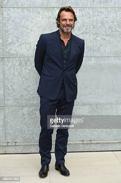 Alessandro Preziosi arrives at the Giorgio Armani show during the Milan Fashion Week on September 28, 2015 in Milan, Italy.