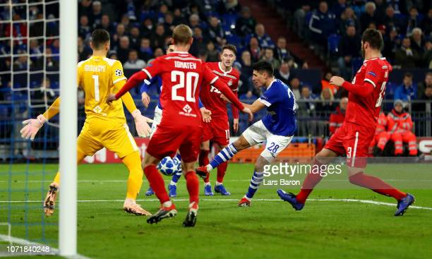 Alessandro Schoepf of Schalke scores the opening goal during the UEFA Champions League Group D match between FC Schalke 04 and FC Lokomotiv Moscow at...