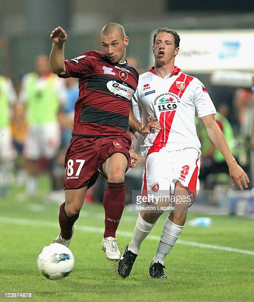 Alessio Campagnacci of Reggina competes for the ball with Gianluigi Bianco of Grosseto during the Serie B match between Reggina Calcio and US...