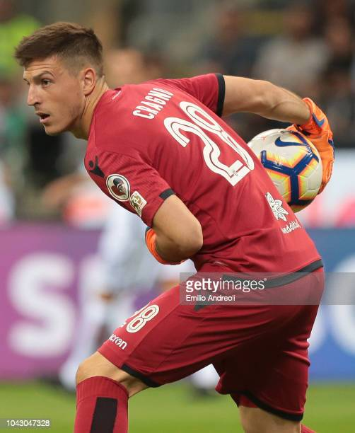 Alessio Cragno of Cagliari Calcio in action during the Serie A match between FC Internazionale and Cagliari at Stadio Giuseppe Meazza on September 29...