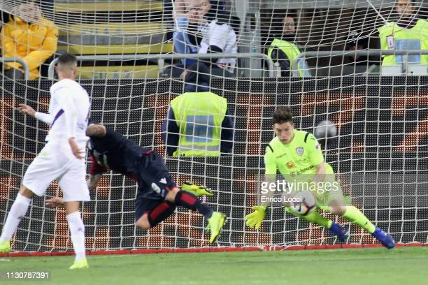 Alessio Cragno of Cagliari in action during the Serie A match between Cagliari and ACF Fiorentina at Sardegna Arena on March 15 2019 in Cagliari Italy