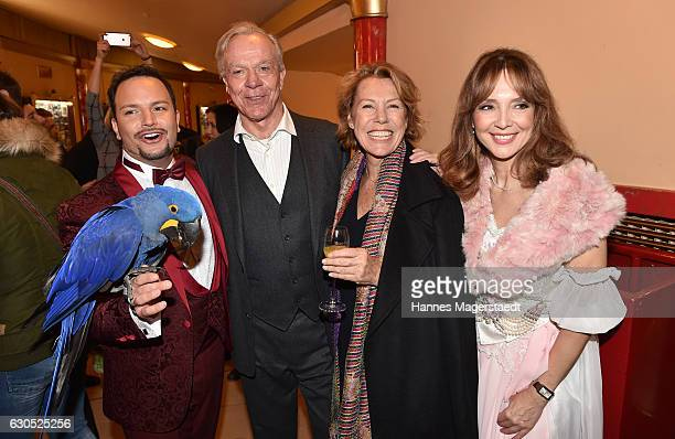 Alessio Dirk Galuba Gaby Dohm and Cornelia Corba during the premiere of 'Tierisch gut' at Circus Krone on December 25 2016 in Munich Germany