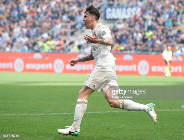 Alessio Romagnoli of AC Milan celebrates his goal during the Serie A match between FC Internazionale and AC Milan at Stadio Giuseppe Meazza on April...