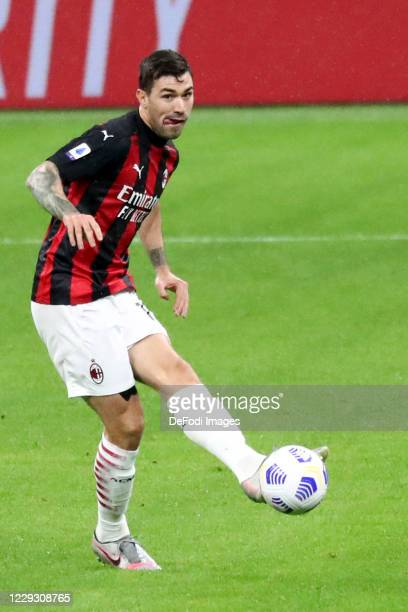 Alessio Romagnoli of AC Milan controls the ball during the Serie A match between AC Milan and AS Roma at Stadio Giuseppe Meazza on October 26 2020 in...