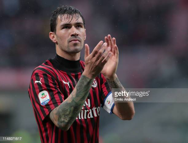 Alessio Romagnoli of AC Milan greets the fans at the end of the Serie A match between AC Milan and Frosinone Calcio at Stadio Giuseppe Meazza on May...