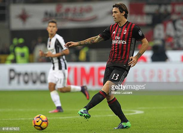 Alessio Romagnoli of AC Milan in action during the Serie A match between AC Milan and Juventus FC at Stadio Giuseppe Meazza on October 22 2016 in...