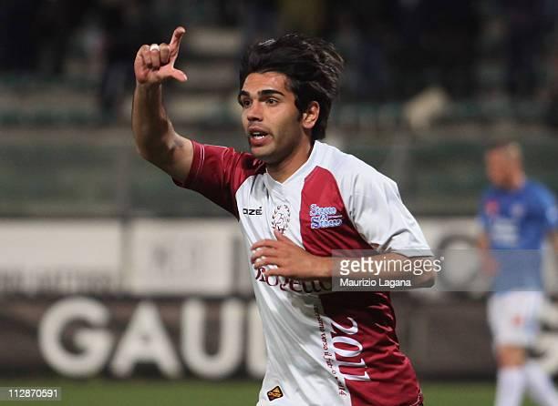 Alessio Viola of Reggina celebrates after scoring the 10 goal during the Serie B match between Reggina Calcio and Novara Calcio at Stadio Oreste...