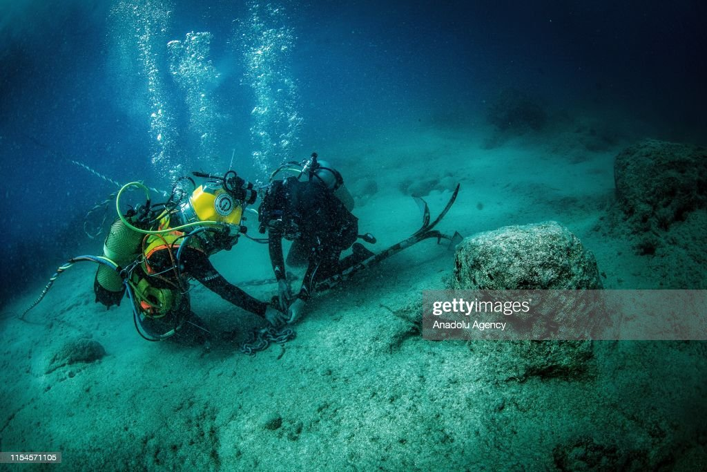 Turkish female students aim to be pioneer on industrial diving : News Photo