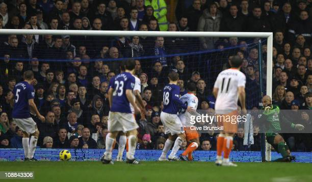 Alex Baptiste of Blackpool scores the equalizerduring the Barclays Premier League match between Everton and Blackpool at Goodison Park on February 5...