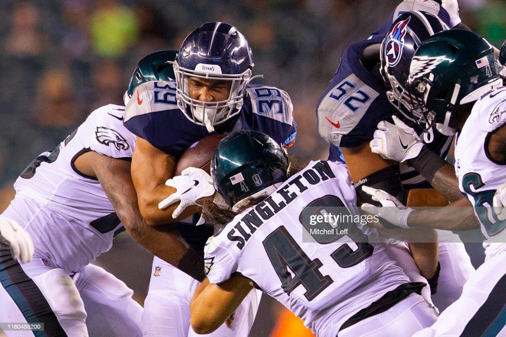 Tennessee Titans v Philadelphia Eagles : Photo d'actualité
