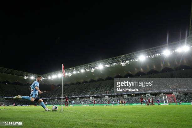 Alex Baumjohann of Sydney takes a corner during the round 24 A-League match between the Western Sydney Wanderers and Sydney FC at Bankwest Stadium on...
