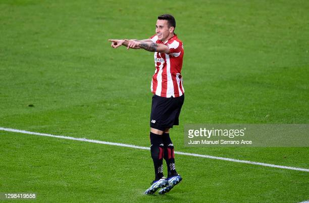Alex Berenguer of Athletic Bilbao celebrates after scoring their sides fourth goal during the La Liga Santander match between Athletic Club and...