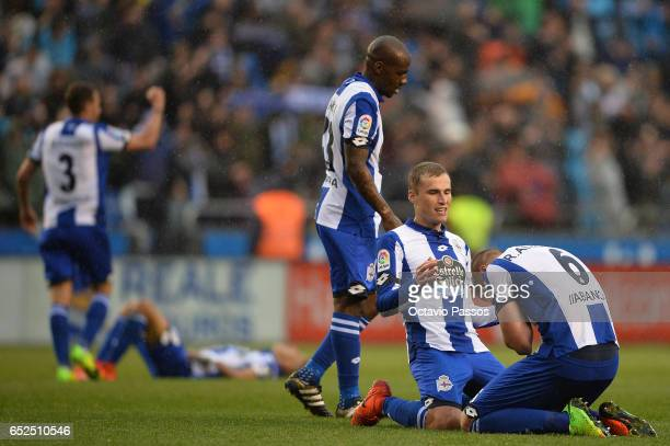 Alex Bergantinos and Raul Albentosa of RC Deportivo La Coruna celebrates the victory against FC Barcelona during the La Liga match between RC...